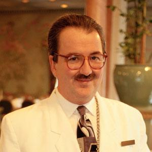 Manolo Sánchez, Maître de Restaurante